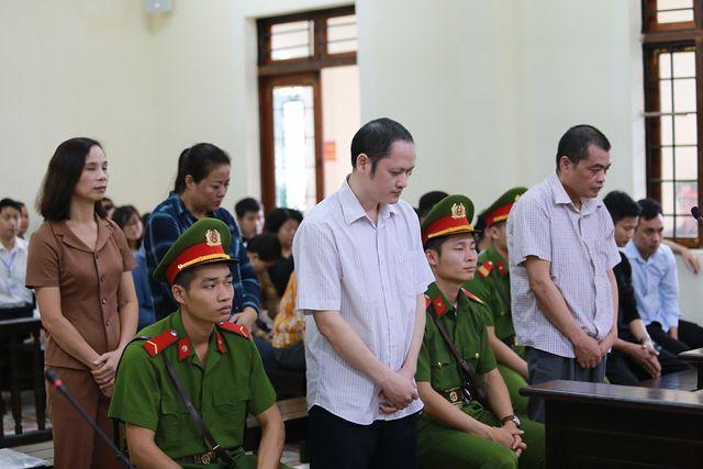 Đã kỷ luật vợ Chủ tịch tỉnh Hà Giang liên quan đến vụ gian lận điểm thi - Ảnh 2.