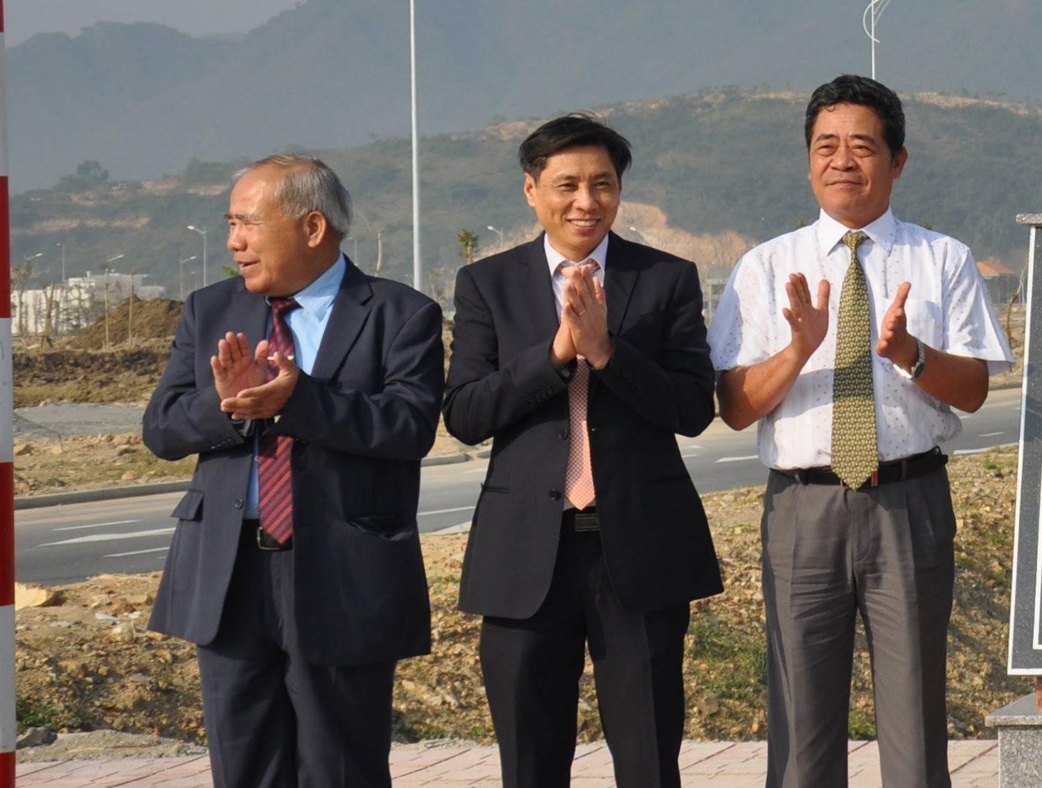 UBND Khánh Hòa duyệt 47 dự án vượt thẩm quyền, ra 289 văn bản có nội dung vi phạm - Ảnh 2.
