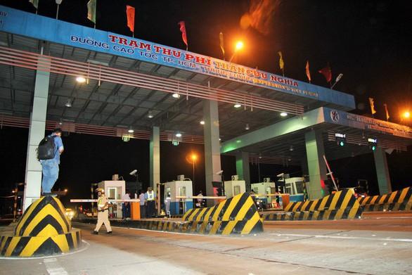 Khởi tố Út trọc và 8 người sai phạm đấu thầu cao tốc TP.HCM - Trung Lương - Ảnh 1.