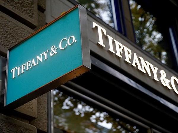 LVMH 'đánh tiếng' muốn mua lại công ty kim hoàn xa xỉ Tiffany & Co - Ảnh 1.
