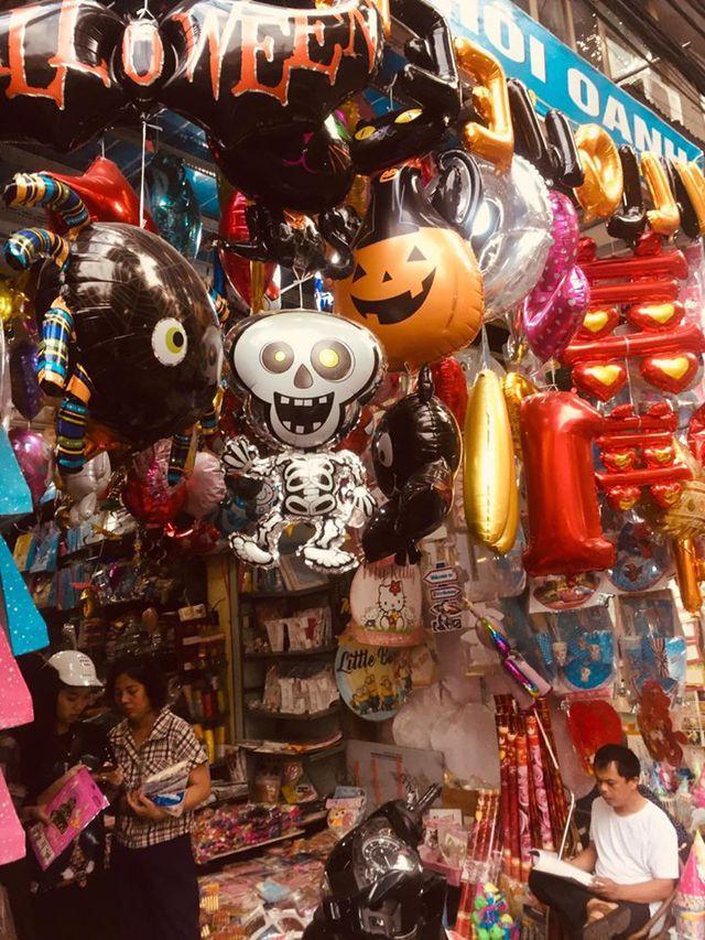 Thị trường Halloween: Tràn ngập sản phẩm xuất xứ từ Trung Quốc - Ảnh 4.