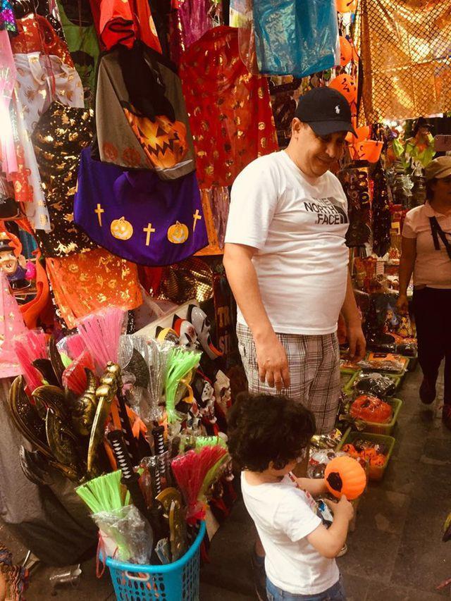 Thị trường Halloween: Tràn ngập sản phẩm xuất xứ từ Trung Quốc - Ảnh 7.