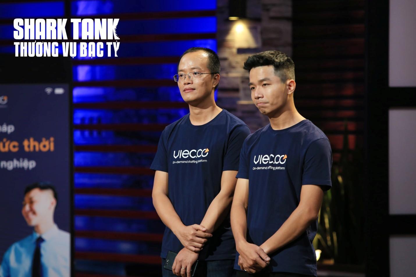 Dàn 'cá mập' tranh giành đầu tư vào công ty nhân sự trên Shark Tank Việt Nam - Ảnh 1.