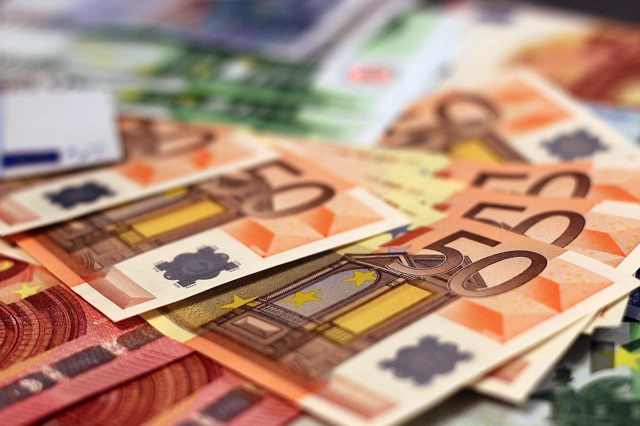 Tỷ giá đồng Euro hôm nay (310/10): Giá Euro trong nước tăng mạnh  - Ảnh 1.