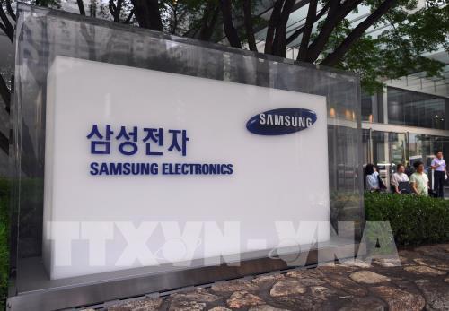 Samsung Electronics công bố lợi nhuận sụt giảm hơn 50% - Ảnh 1.