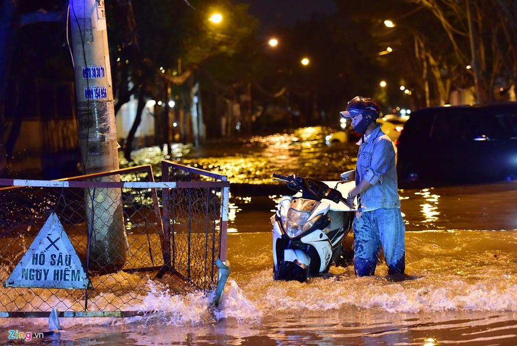 Thảo Điền - khu nhà giàu ngập nước, kẹt xe triền miên - Ảnh 19.