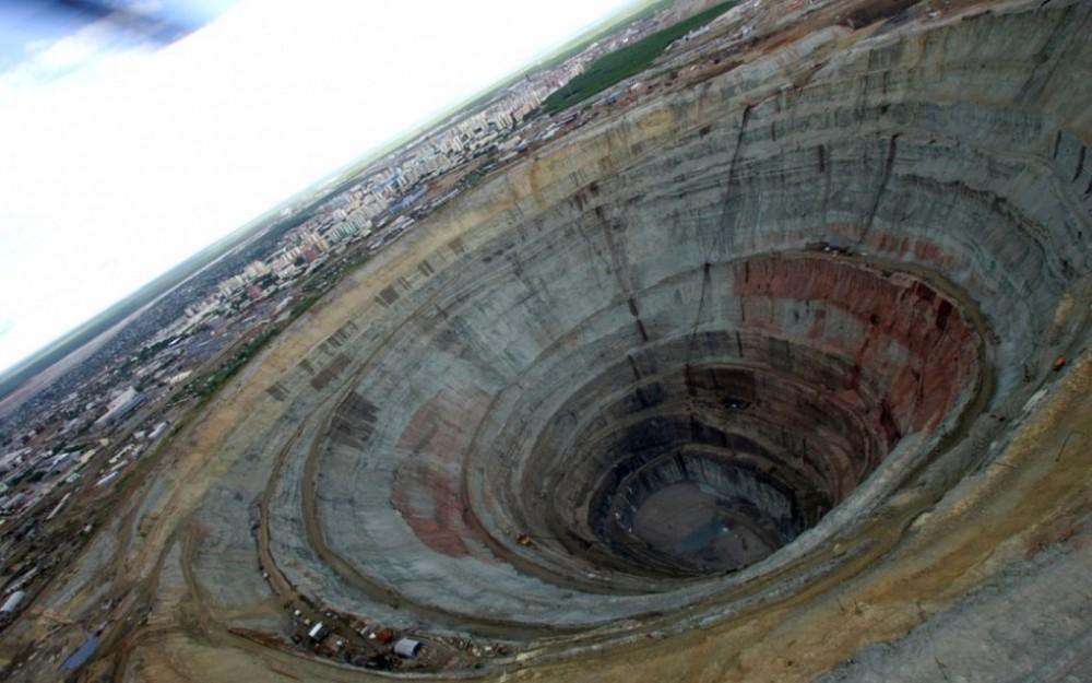 Tận mục mỏ kim cương khổng lồ đủ dùng trong 3.000 năm - Ảnh 8.