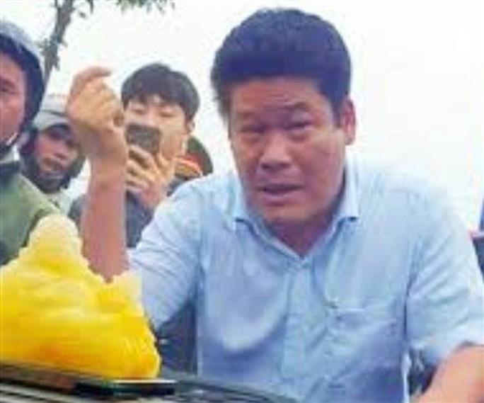 Vụ giang hồ vây xe chở công an: Khởi tố Nguyễn Tấn Lương thêm tội Trốn thuế - Ảnh 1.