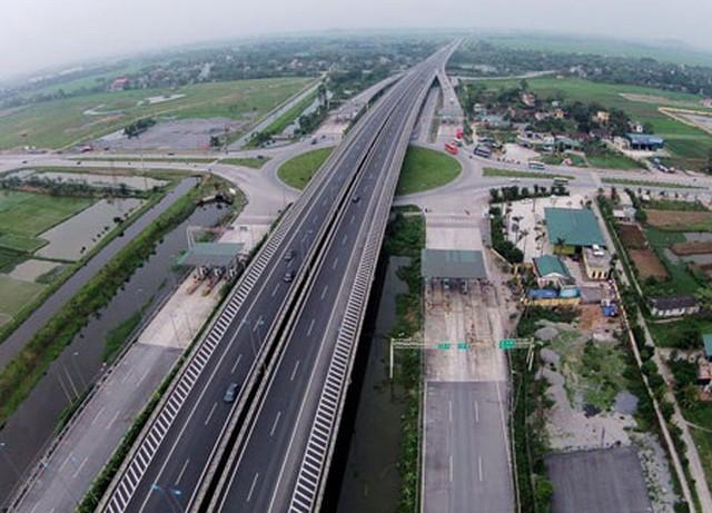 Cao tốc Bắc - Nam chậm khởi công: Chủ đầu tư 'ém' nhà thầu, ưu tiên doanh nghiệp 'quen biết'? - Ảnh 1.
