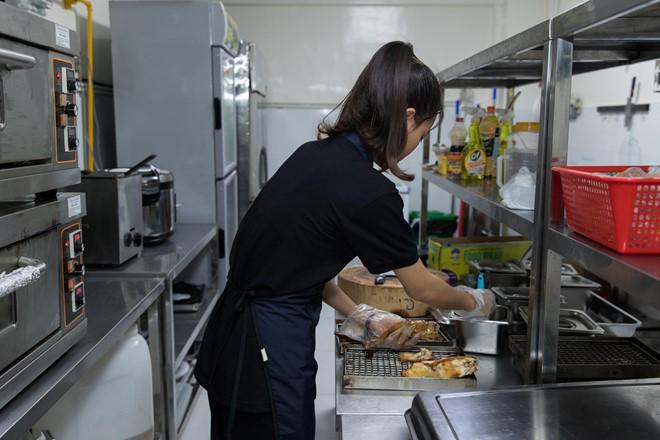 Grab đăng ký thêm nghề bất động sản, mở 'tiệm đồ ăn' ở Việt Nam - Ảnh 1.