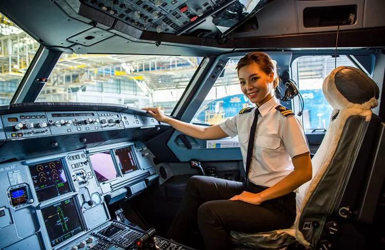 Vietnam Airlines tăng lương cho phi công - Ảnh 1.