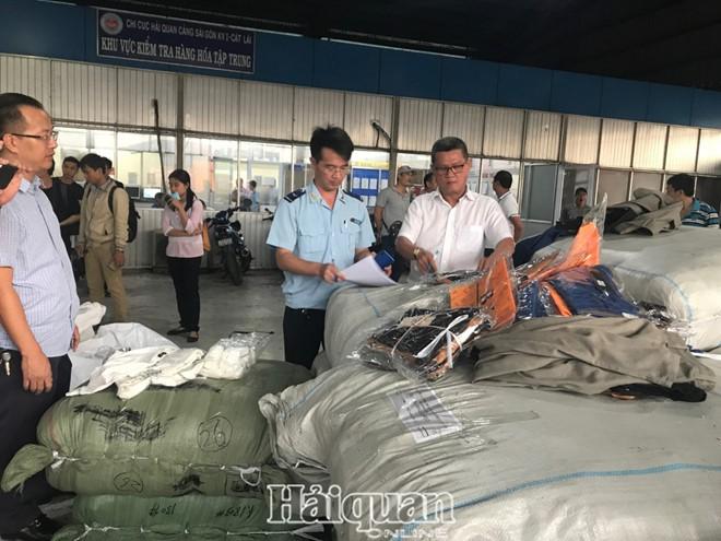 Nhập container quần áo Trung Quốc nhưng gắn nhãn 'made in Vietnam' - Ảnh 1.