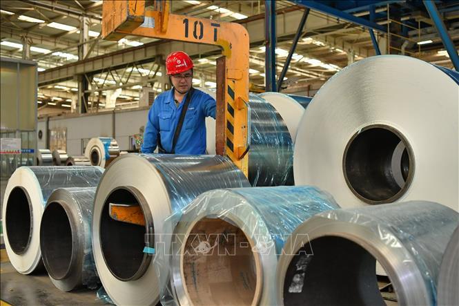 Indonesia cáo buộc Malaysia và Trung Quốc bán phá giá thép - Ảnh 1.