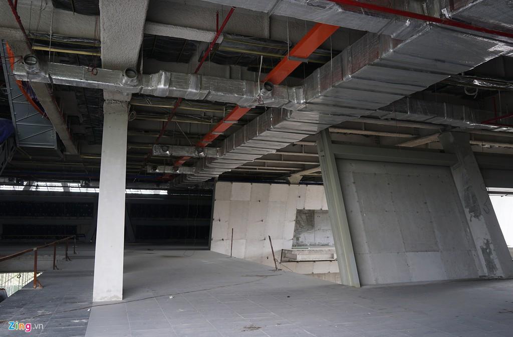 Trung tâm triển lãm 800 tỉ đồng nằm trơ trọi giữa Thủ Thiêm - Ảnh 7.