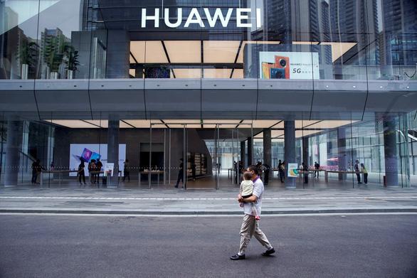 Huawei vượt qua 'sóng thần' cấm vận của Mỹ như thế nào? - Ảnh 2.