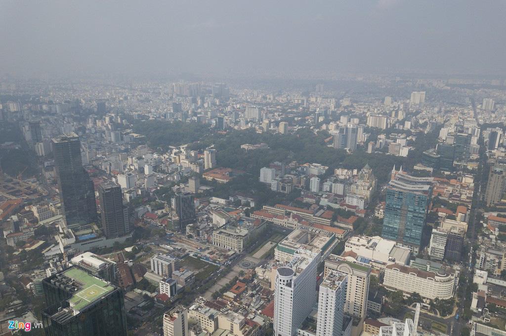 Bầu trời mịt mù thời điểm TP.HCM ô nhiễm thứ 4 thế giới - Ảnh 2.