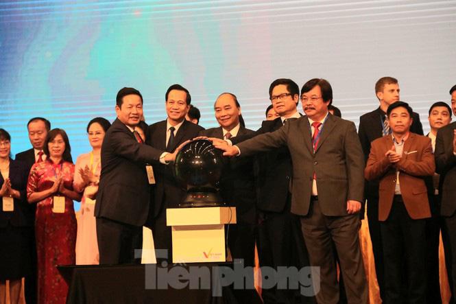 Thủ tướng chủ trì Diễn đàn Nâng tầm kỹ năng lao động Việt Nam - Ảnh 1.