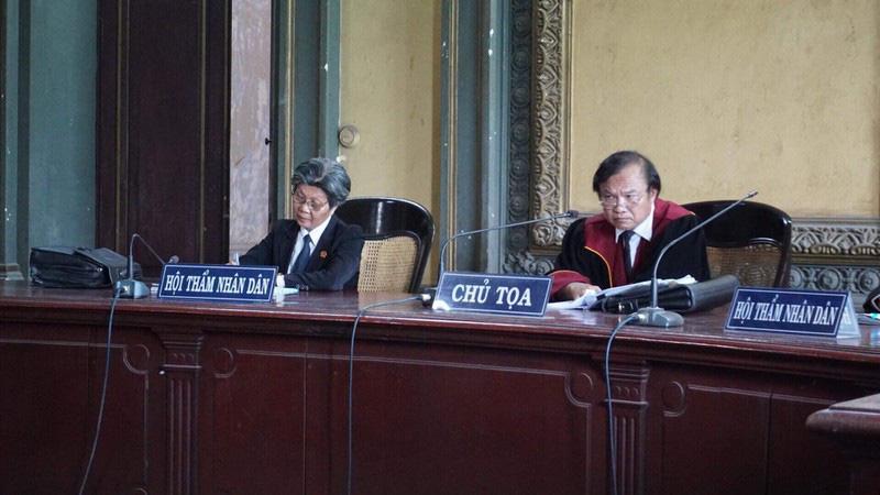 Tình tiết bất ngờ trước phiên xử li hôn vợ chồng Trung Nguyên - Ảnh 3.