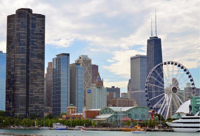 chicago-illinois-skyline-skyscra-1572600899_680x0