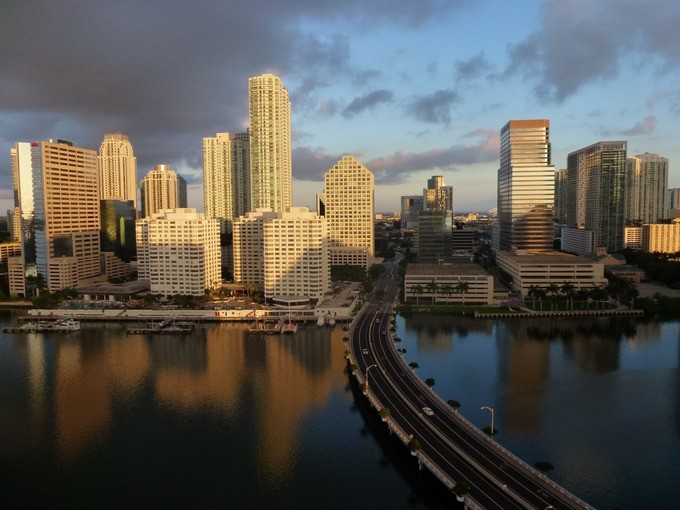 miami-florida-ocean-skyline-city-1572600673_680x0