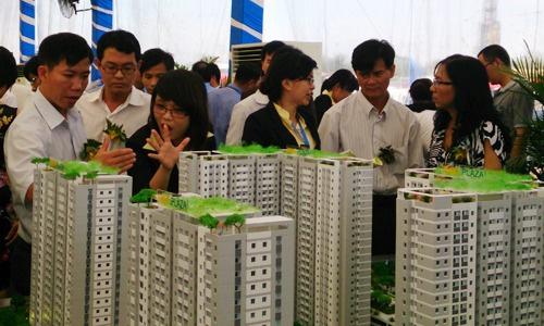 Thu nhập của môi giới bất động sản lao dốc - Ảnh 1.
