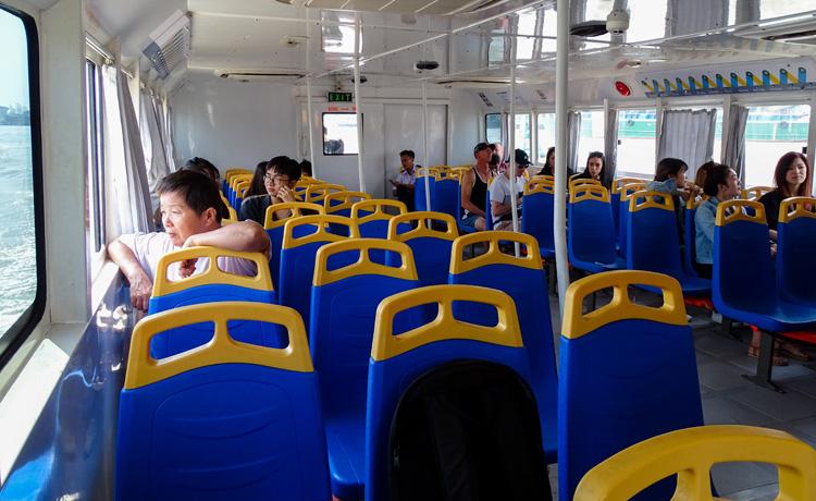 Đìu hiu ở buýt sông Sài Gòn - Ảnh 2.