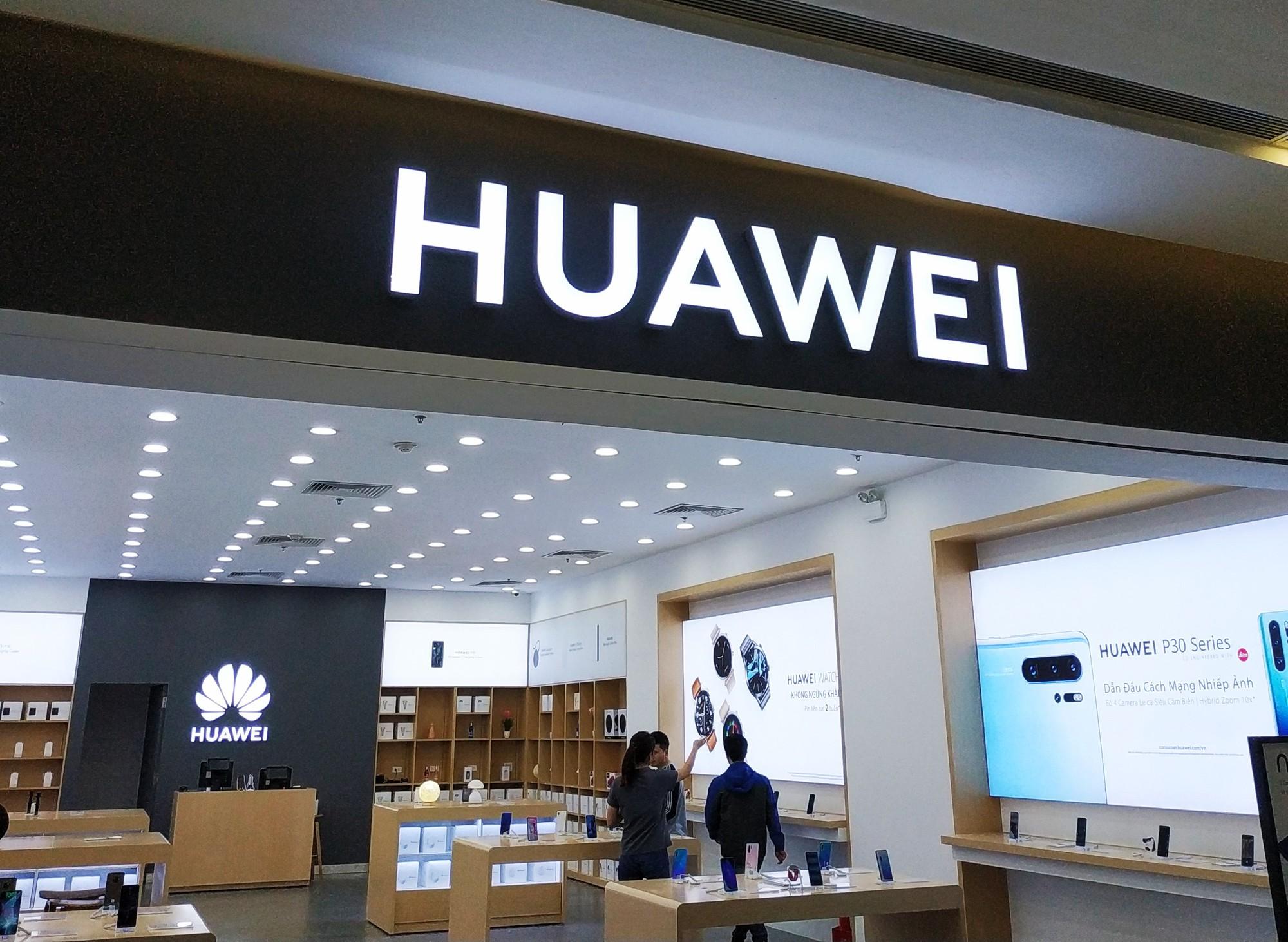 Huawei vincom 2 self (3)