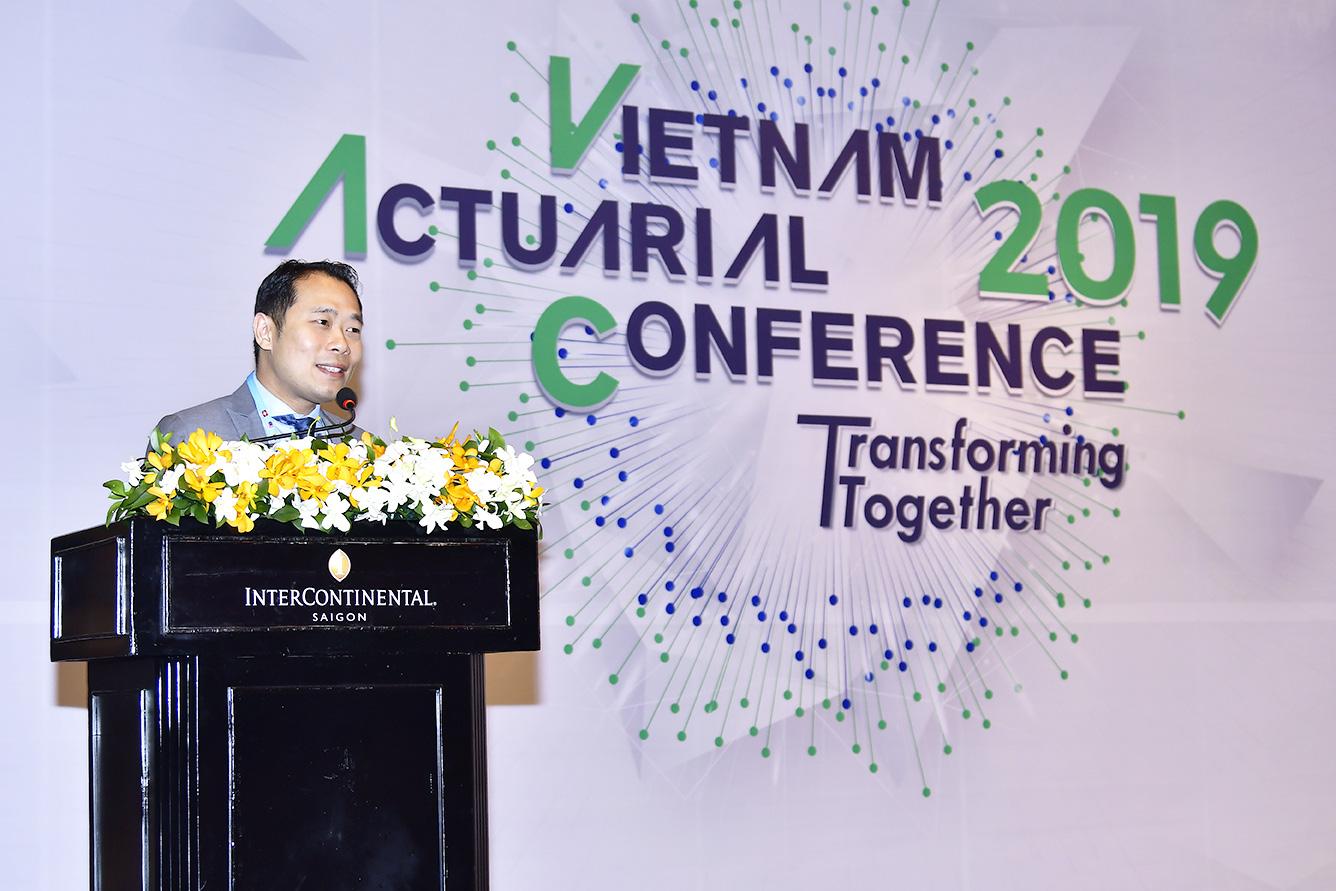 Ông Chun Nam Ng, Giám Đốc Tài Chính Manulife Việt Nam phát biểu tại Hội nghị