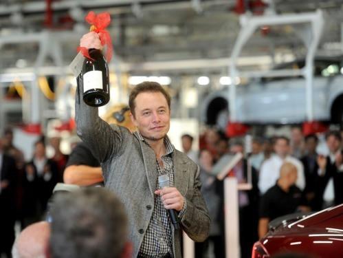 Lý do Elon Musk nói 'kì nghỉ sẽ giết chết bạn' - Ảnh 1.
