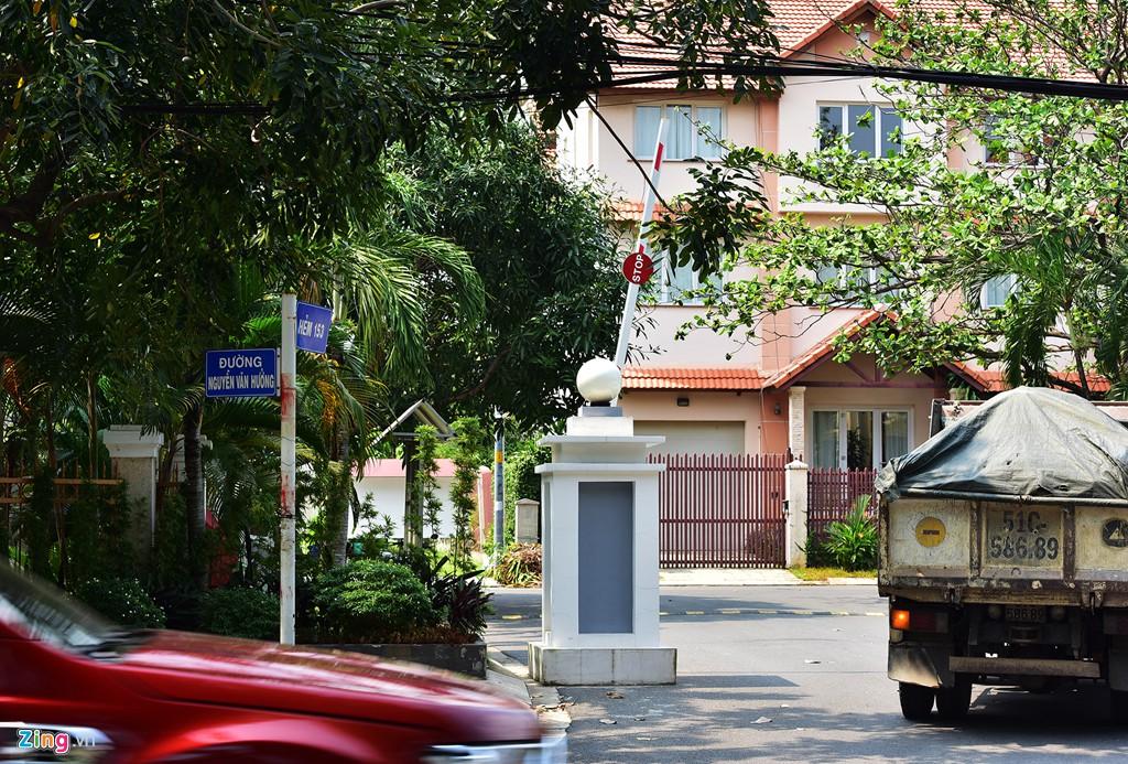 Biệt thự ở Thảo Điền bịt kín lối ra bờ sông Sài Gòn - Ảnh 10.