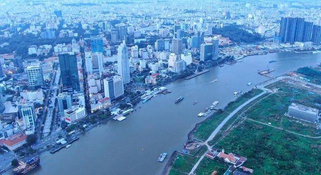 Sau 'cuộc khủng hoảng' nước sông Đà, TP HCM lên kịch bản ứng phó ô nhiễm nguồn nước - Ảnh 1.