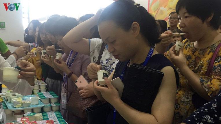 Nhiều sản phẩm của Việt Nam sẽ xuất khẩu chính ngạch sang Trung Quốc - Ảnh 1.