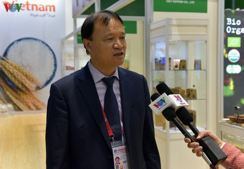 Nhiều sản phẩm của Việt Nam sẽ xuất khẩu chính ngạch sang Trung Quốc - Ảnh 2.