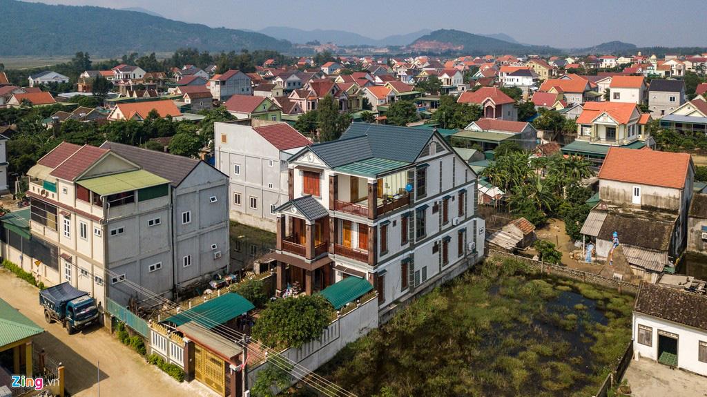 'Biệt thự rỗng' ở làng xuất khẩu lao động giàu nhất Hà Tĩnh - Ảnh 5.