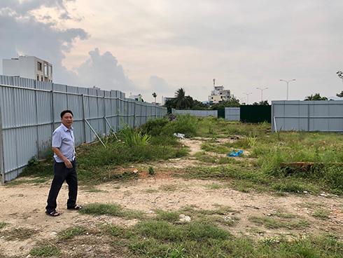 Dự án Khu dân cư cồn Tân Lập: Khách hàng rào đất, căng băng rôn kêu cứu - Ảnh 1.