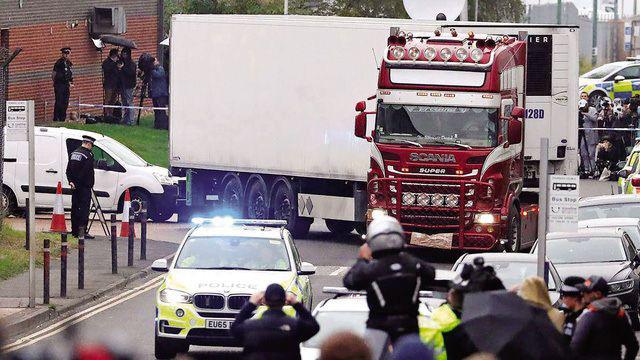 Bộ Công an: Không công bố danh tính 39 người tử vong ở Anh - Ảnh 1.