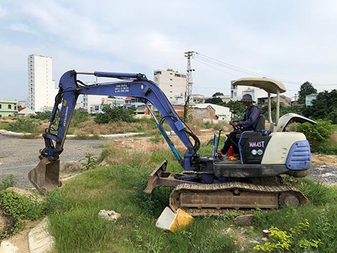 Dự án Khu dân cư cồn Tân Lập: Khách hàng rào đất, căng băng rôn kêu cứu - Ảnh 2.