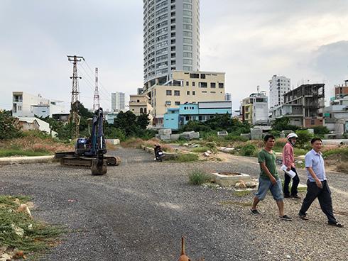 Dự án Khu dân cư cồn Tân Lập: Khách hàng rào đất, căng băng rôn kêu cứu - Ảnh 4.