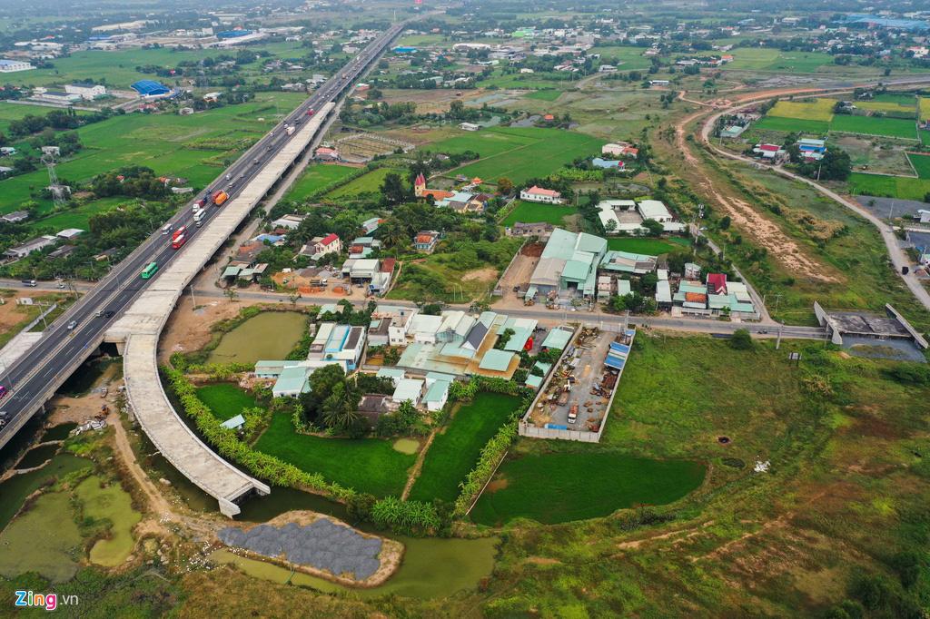 Cao tốc Bến Lức - Long Thành dở dang sau 5 năm thi công - Ảnh 2.