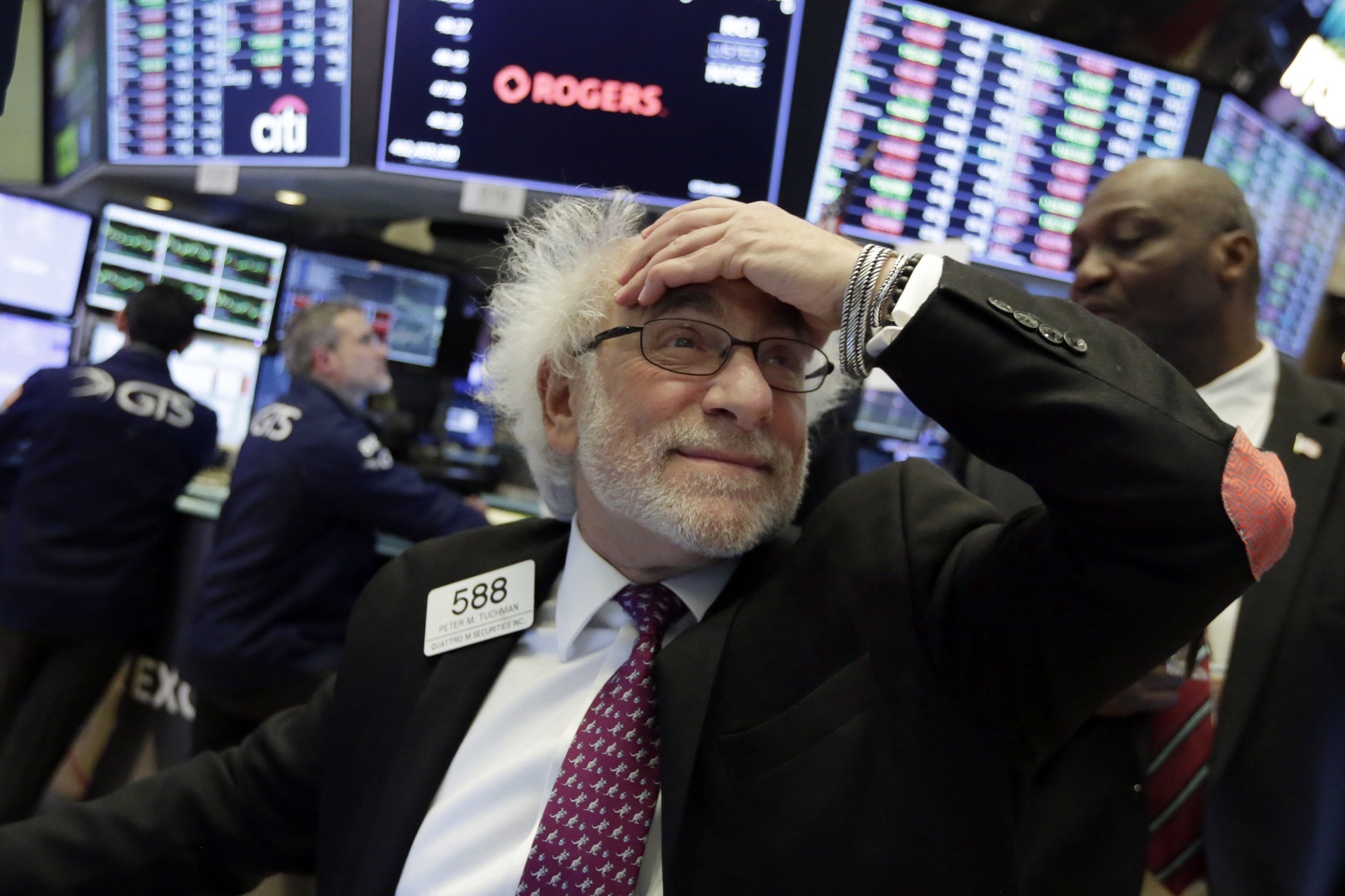 Dow Jones sụt giảm phiên thứ ba liên tiếp giữa lo ngại dịch covid-19 gây hại cho doanh nghiệp - Ảnh 1.