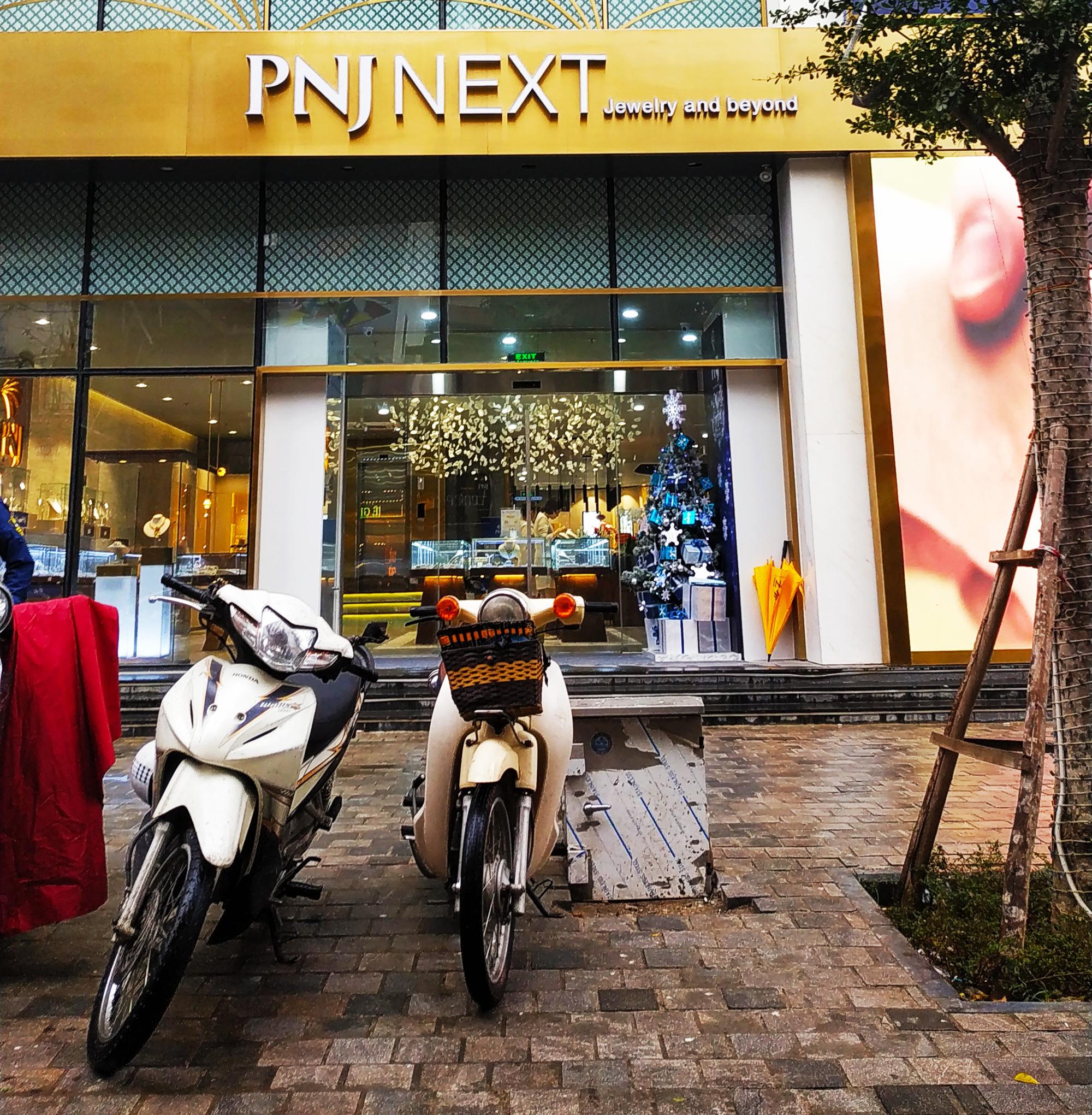Sau Thế Giới Di Động, PNJ cũng tạm đóng một số cửa hàng vì COVID-19 - Ảnh 1.