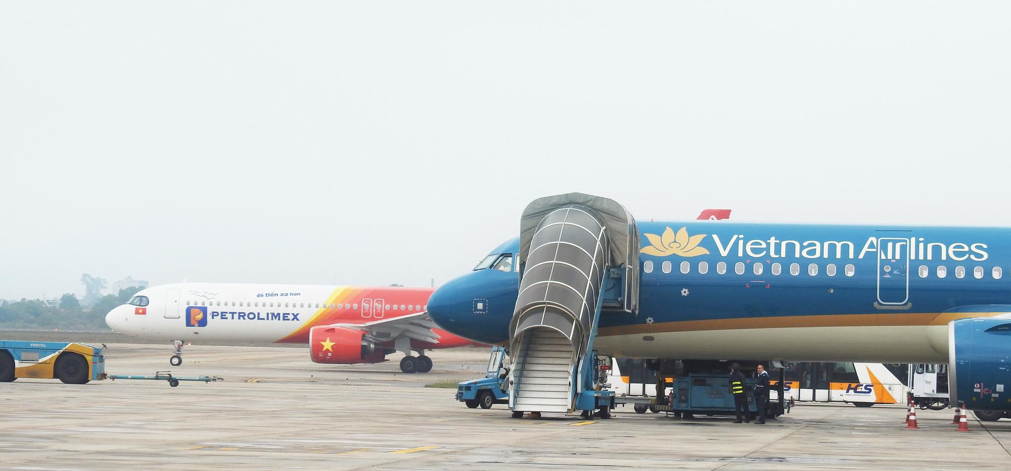 Gần 327.000 chuyến bay của hàng không Việt 2019: Vietjet Air dẫn đầu số chuyến, Bamboo Airways đứng top đúng giờ - Ảnh 1.