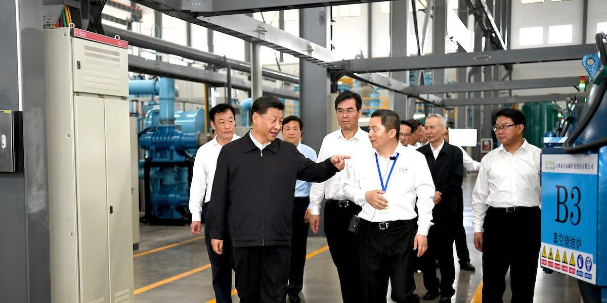 Chủ tịch Trung Quốc Tập Cận Bình đến thăm nhà máy đất hiếm tại tỉnh Giang Tây vào tháng 5/2019 giữa lúc chiến tranh thương mại với Mỹ diễn ra căng thẳng.