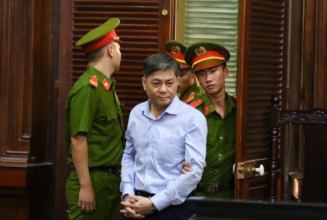 Nguyên Phó Chủ tịch UBND TPHCM Nguyễn Hữu Tín nộp 1,5 tỉ đồng khắc phục hậu quả - Ảnh 2.