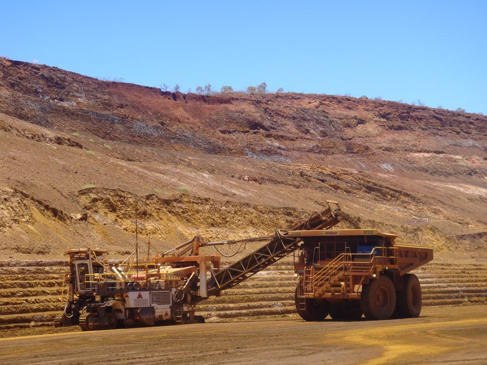 Giá thép xây dựng hôm nay (27/12): Giá quặng sắt giảm trong bối cảnh thương mại ảm đạm, giá thép phục hồi thua lỗ - Ảnh 1.