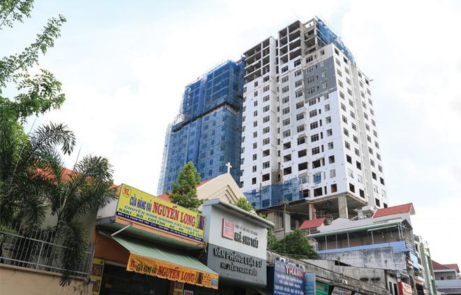 Hàng loạt lãnh đạo sở ở TP HCM phải kiểm điểm vì vụ chung cư Bảy Hiền - Ảnh 1.