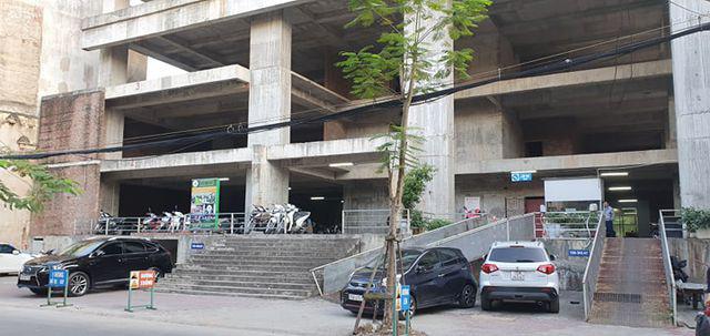 Cử tri Hải Phòng chất vấn về tòa nhà 25 tầng bỏ hoang giữa trung tâm thành phố - Ảnh 3.