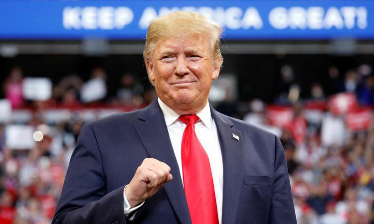 Trump tung vũ khí kinh tế đối phó bão luận tội - Ảnh 1.