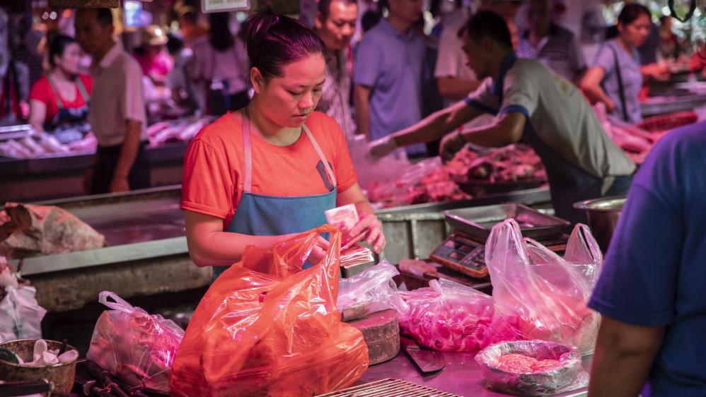 Kinh tế Trung Quốc lao đao, người nghèo hứng đòn nặng nhất - Ảnh 2.