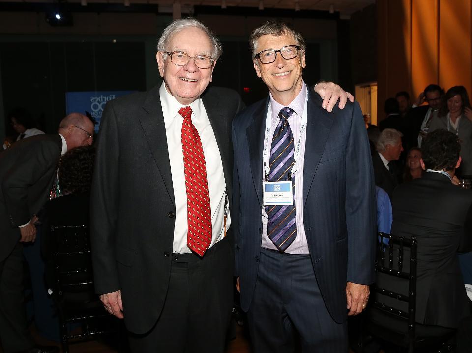 Warren Buffett và Bill Gates: Tài sản tăng hàng chục tỷ USD vẫn tụt hạng trong danh sách Forbes - Ảnh 1.